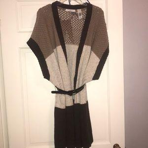 Liz Claiborne knit sweater w/ unique belt